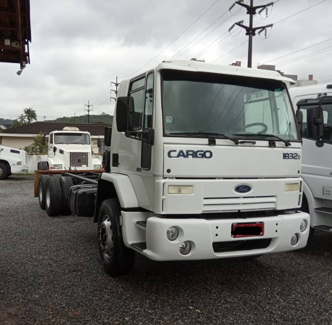 Truck Ford Cargo 1832 2010